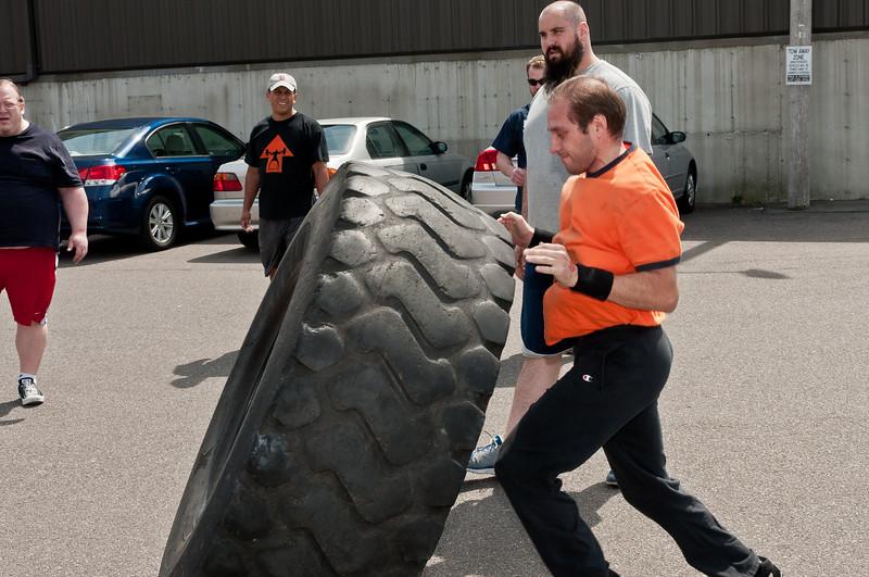 Strongman Saturday 4-14-2012_ERF4208.jpg