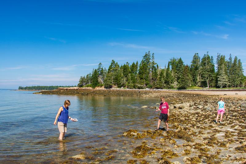 Grace-elijah-Cottage-beach-Maine2.jpg