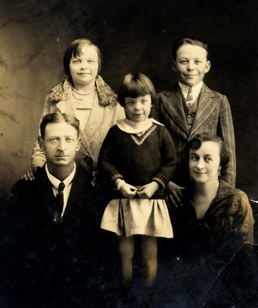 Edward Ruddell and family.JPG