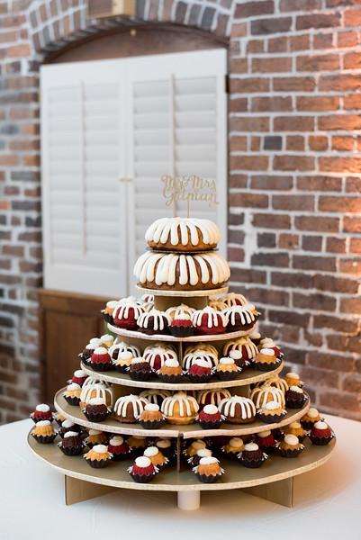 knoxville-1-wedding-cake (14 of 28).jpg