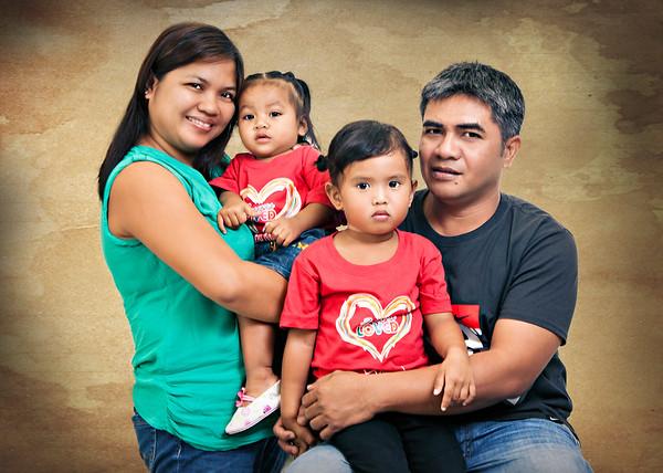 Gigen Llaneta Family Portrait