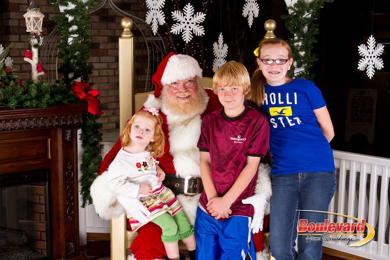 Santa Dec 8-236.jpg
