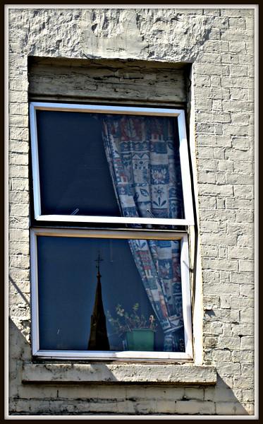 Window on High Street, Banbury  ©2008 FlorieGray