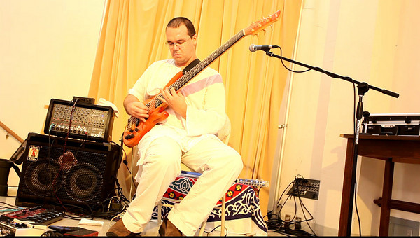 20090920 Jaafar (Jay Manley, Saraswati Guitar, with Troy on bass) et.al., Carrboro Music Festival