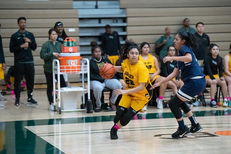 Basketball-W-2020-01-31-7822.jpg