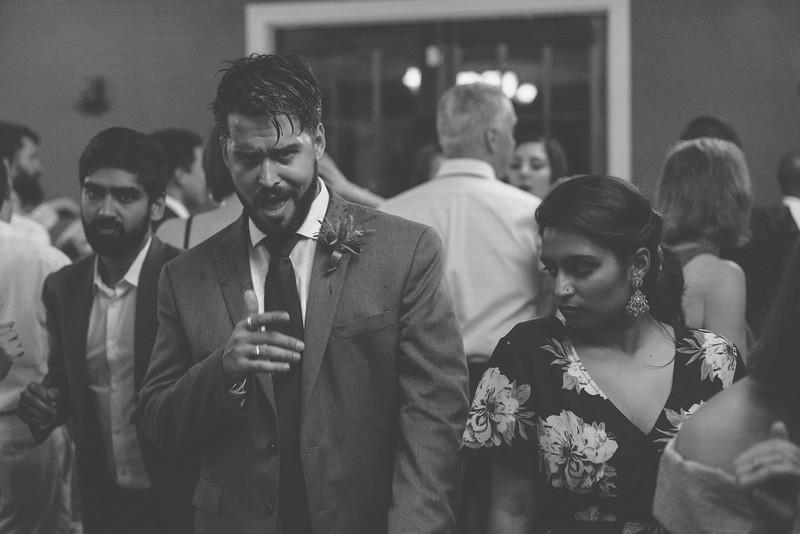 MP_18.06.09_Amanda + Morrison Wedding Photos-03350.jpg