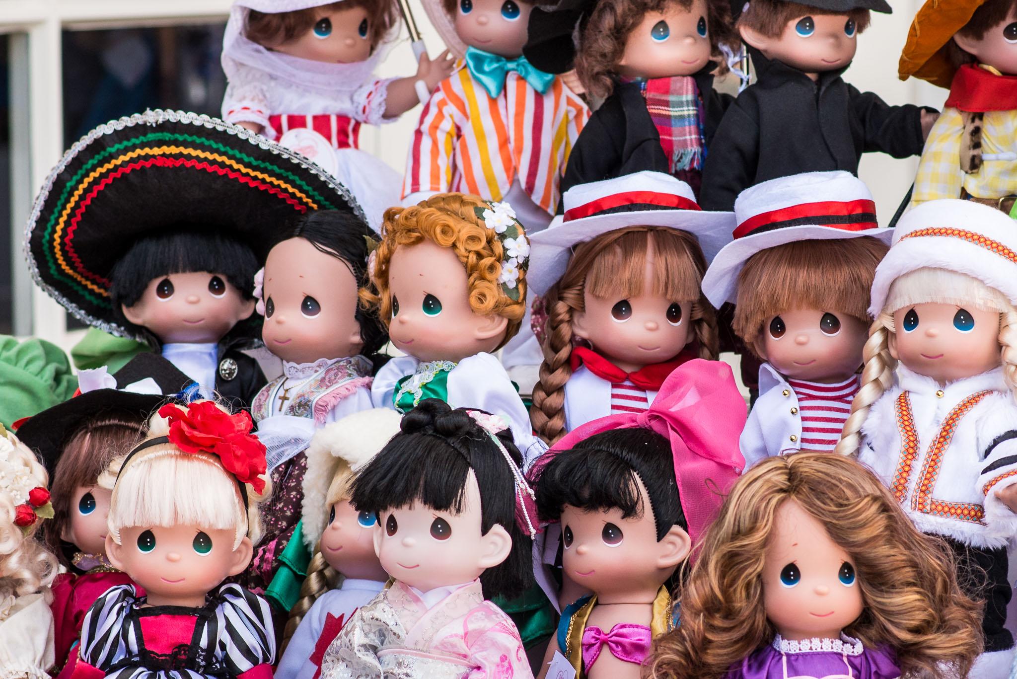 Precious Moments Disney Doll Collection - Mexico & Italy - Epcot Flower & Garden Festival 2016