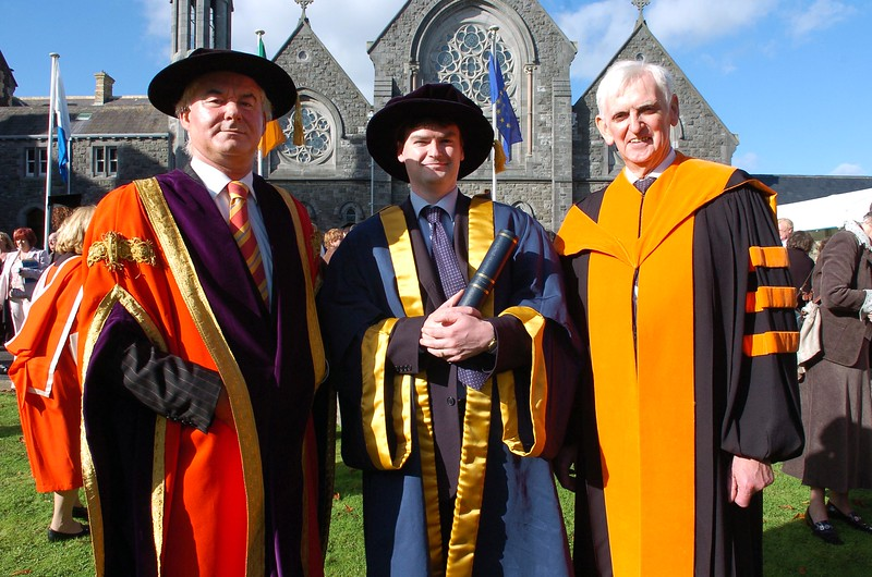 Provision 251006 Dr. Paul O'Kelly (centre), from Bray in Co. Wicklow was conferred with his Doctorate from WIT yesterday (Thursday), is pictured with Prof Kieran Byrne (Director of WIT) and his dad Prof. M O'Kelly. PIC Bernie Keating/Provision