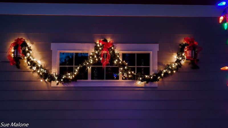 12-01-2020 Christmas Lights Up-16.jpg