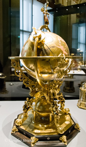 Clockwork driven globe displaying positions of the sun, moon, and stars