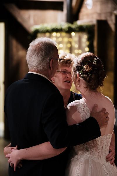 rustic_ohio__fall_barn_wedding-405.jpg