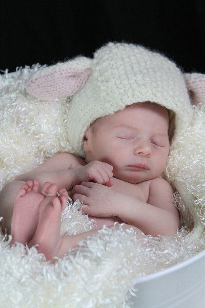 Lovendusky Newborn shoot-13.jpg