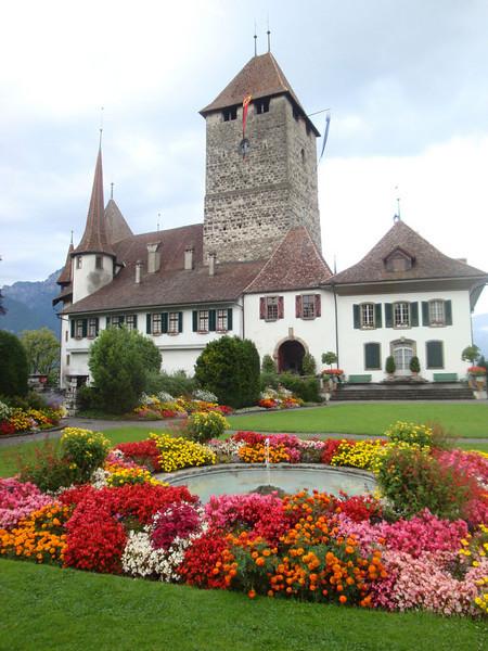Spiez chateau Switzerland 2009.JPG