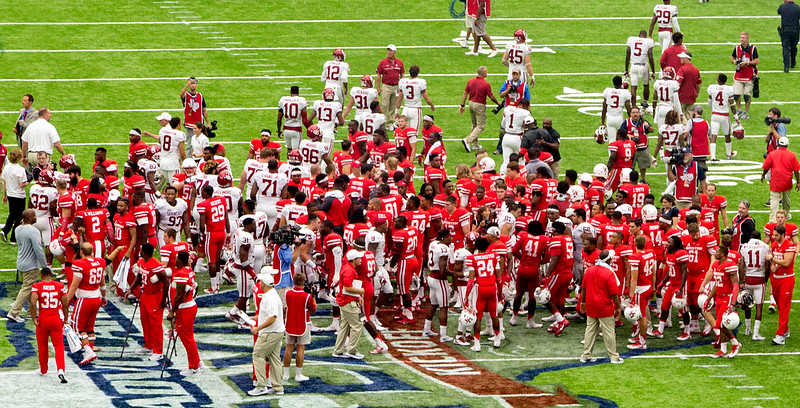 Final score, UH 33, OU 23.  The teams ...
