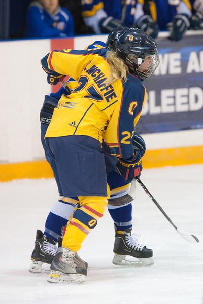 20130310 QWHockeyvsUBC 215.jpg