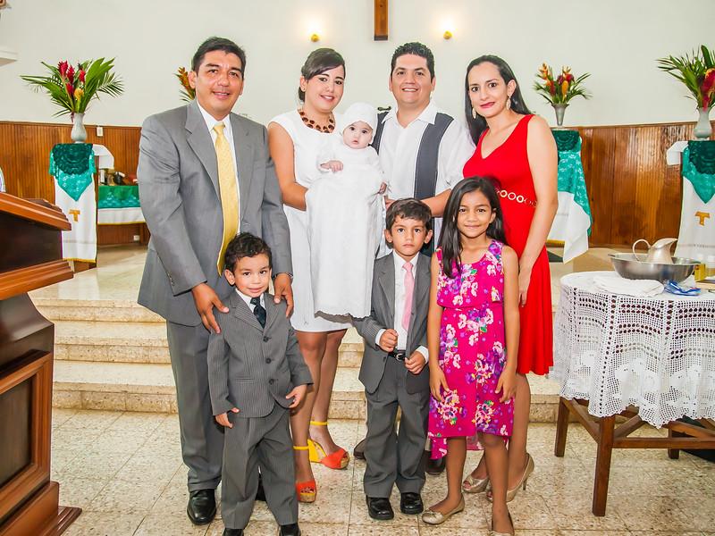 2014.09.07 - Bautizo de María Lourdes (116).jpg