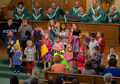 Kids Singing - Worship Services 11-24-2013