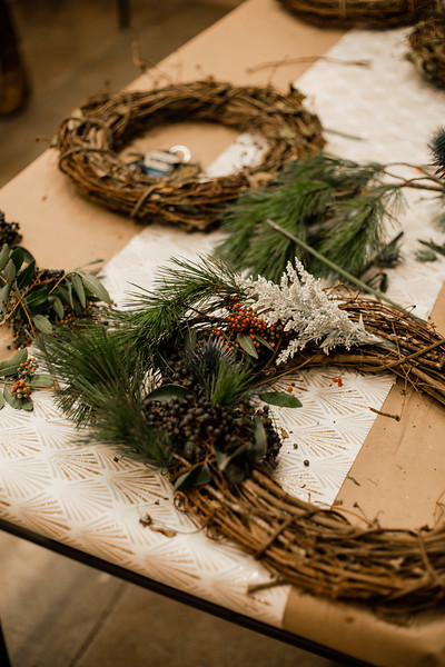 2019_12_18_wreath workshop_JE-23.jpg