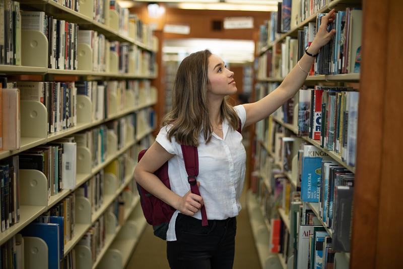 Viktoria Studying Finals-5048.jpg