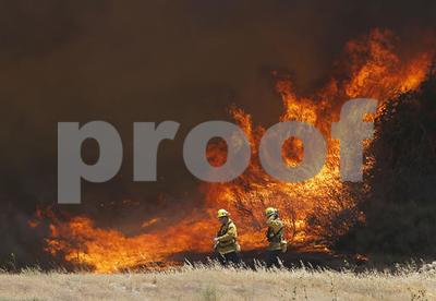 evacuees-return-but-huge-california-wildfire-still-raging