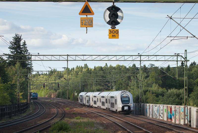 SJ X40 3733 in Stuvsta.
