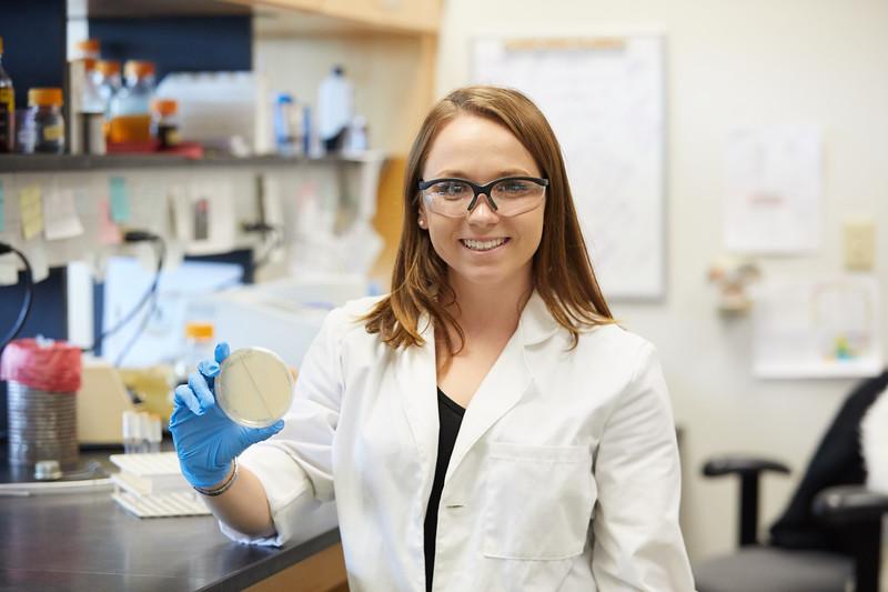 2018 UWL Bill Schwan Allison Zank Lillian Schulte Molecular Biology Lab 0055.jpg