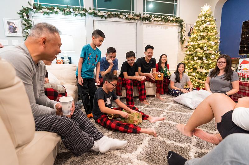 20191225_christmas-ho-family_039.jpg