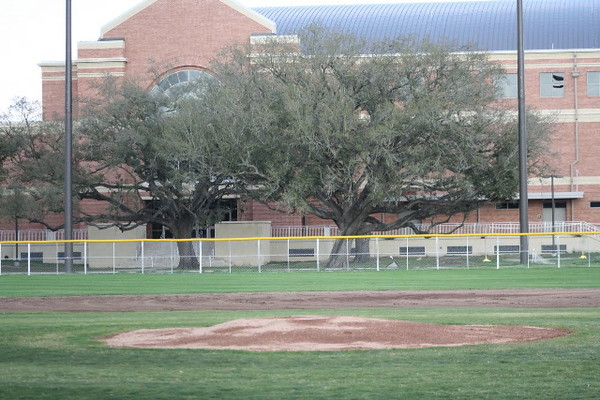 \\hcadmin\d$\Faculty\Home\slyons\HC Photo Folders\HC Baseball vs SCC_1st Home Game_2_12\IMG_2468.jpg