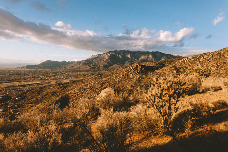 Foothills w Dakota RR-9013.jpg