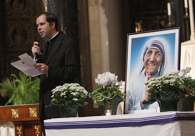 Cathedral hosts Mother Teresa relics