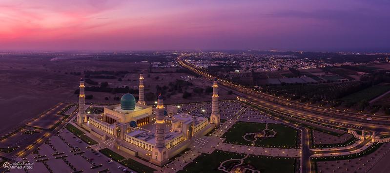 Sultan Qaboos mosque -- Sohar.jpg