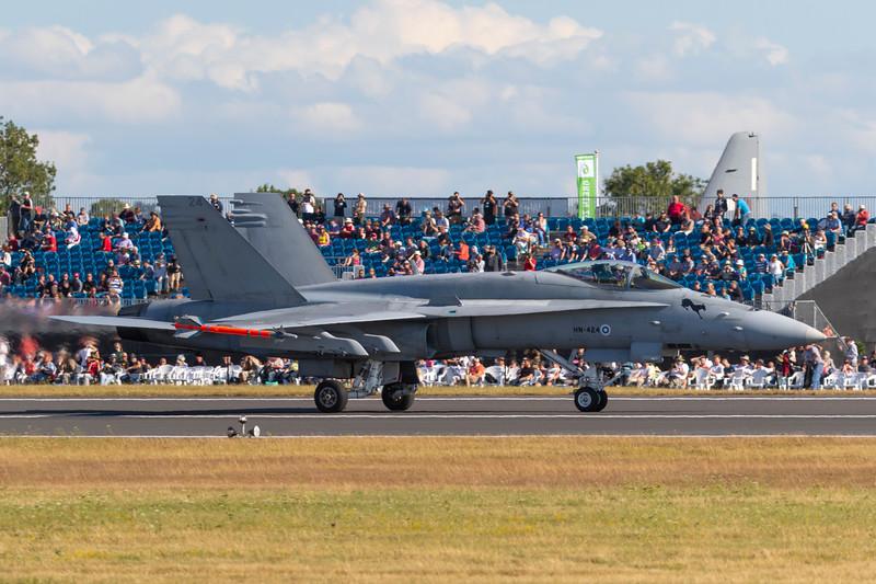 HN-424-McDonnellDouglasFA-18C-FinnishAirForce-FFD-EGVA-2015-07-19-_W4A2278-DanishAviationPhoto.jpg