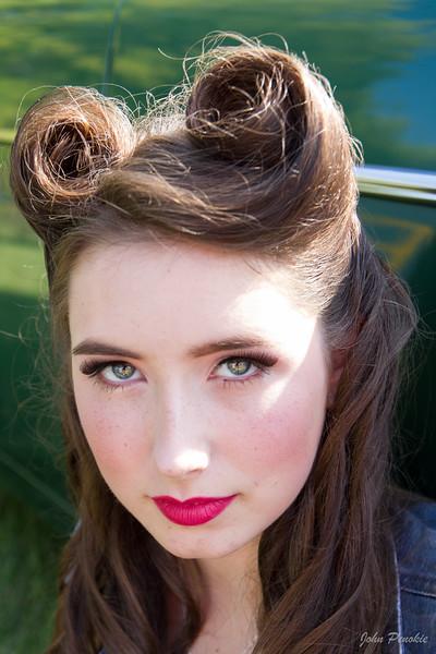 Makeup: Deanna Roberts