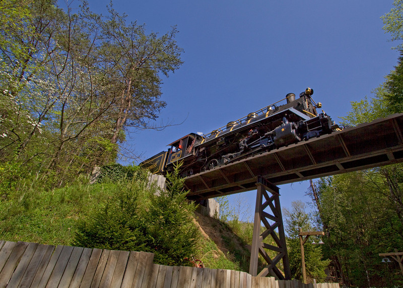 Dollywood_70_trestle.jpg