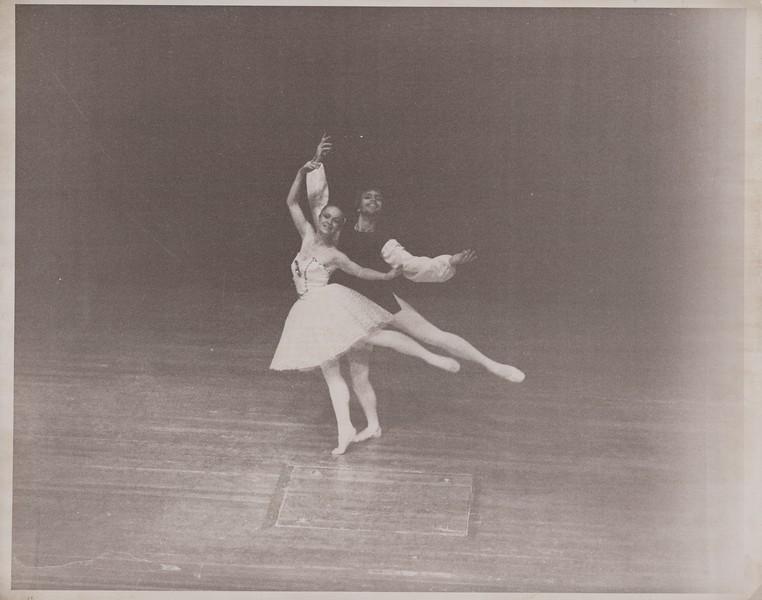Dance_1266.jpg