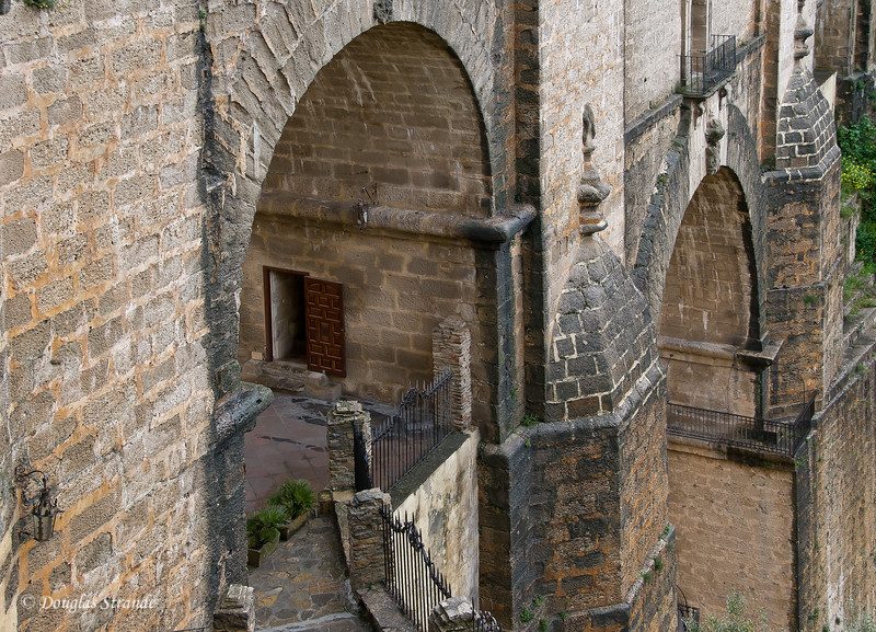 Mon 3/14 in Ronda: Prisoners were once held here, in the New Bridge