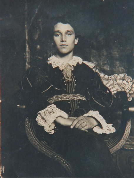 Alberto as a young theater actor