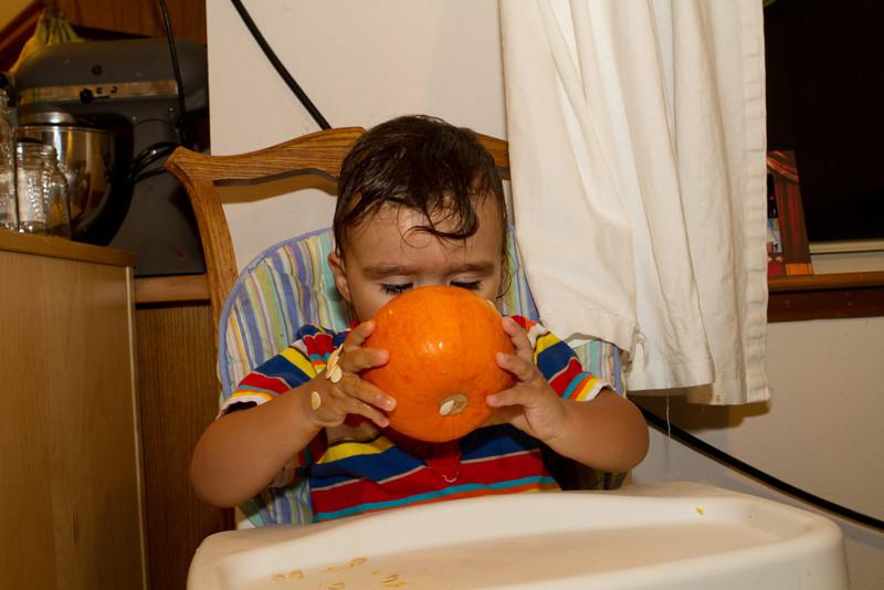 PumpkinCarving-13.jpg