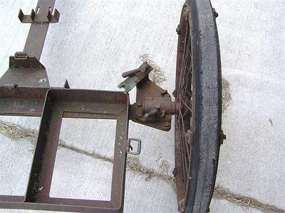1932 MOUNT WHEELED MACHINE GUN  M1
