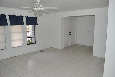 208 SE 20th Pl, Cape Coral, FL