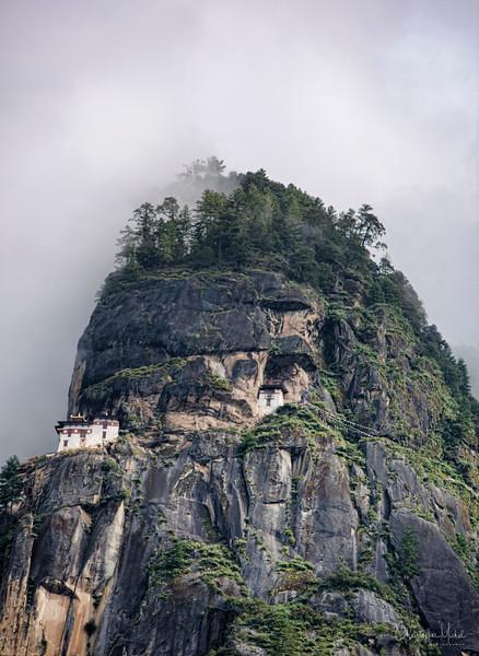 Paro Taktsang-tigers-nest_20120921_2001.jpg