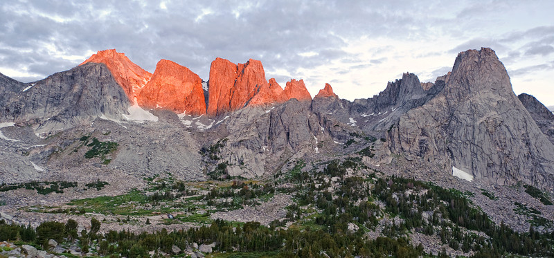 Dawn at Cirque of the Towers.