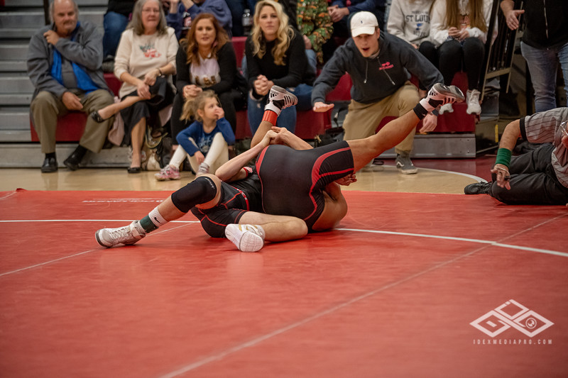 Wrestling at Granite City-09140.jpg
