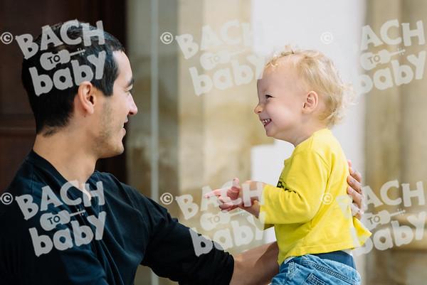 © Bach to Baby 2017_Alejandro Tamagno_Kensal Rise_2017-09-13 040.jpg