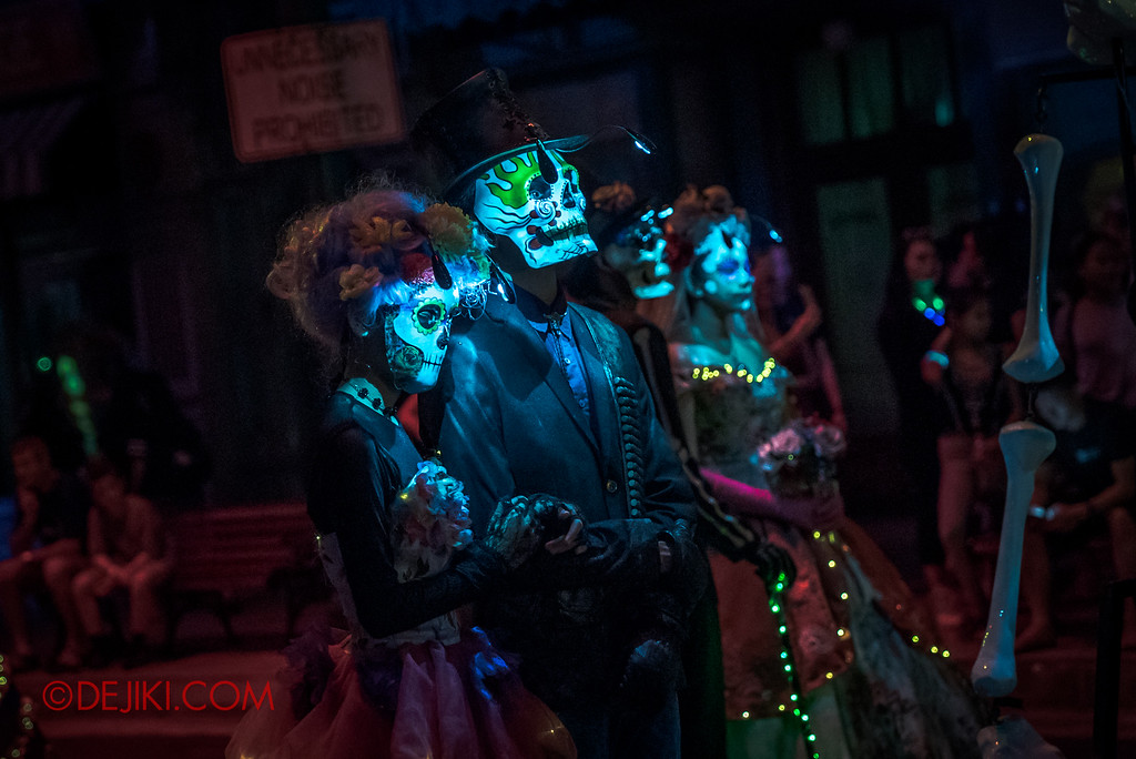 Halloween Horror Nights 6 Final Weekend - March of the Dead / Lover's Last