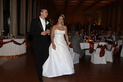 SPECIAL DANCES, BOUQUET & GARTER TOSS