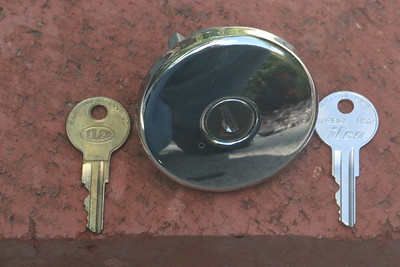 Biquette's NOS gas cap and old and new keys