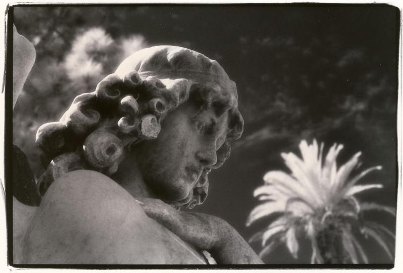 Santa Monica, California: Cemetery Statue