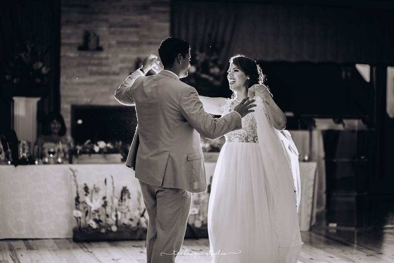 BRETT & CARMEN WEDDING PREVIEWS-129.JPG