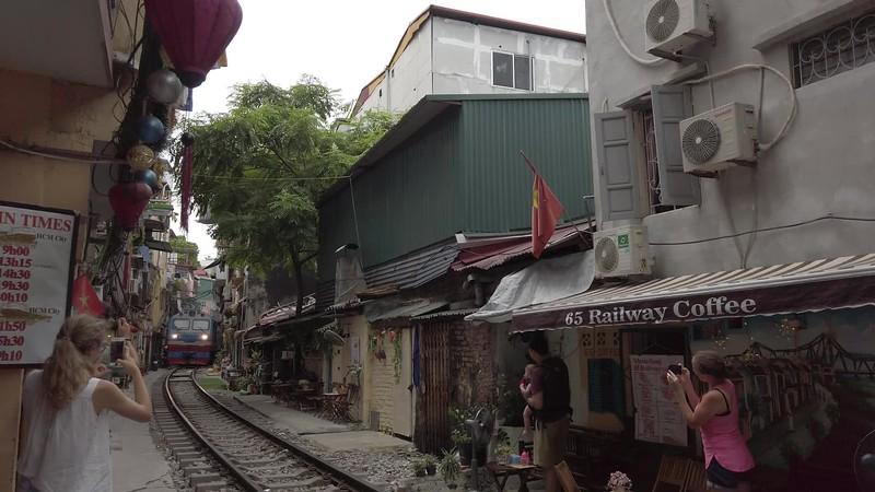 Train Street..mp4